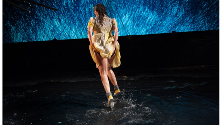Wat er gebeurde terwijl de mussen de polka dansten door Schippers&VanGucht / HETPALEIS — De Krakeling, theater voor de jeugd te Amsterdam