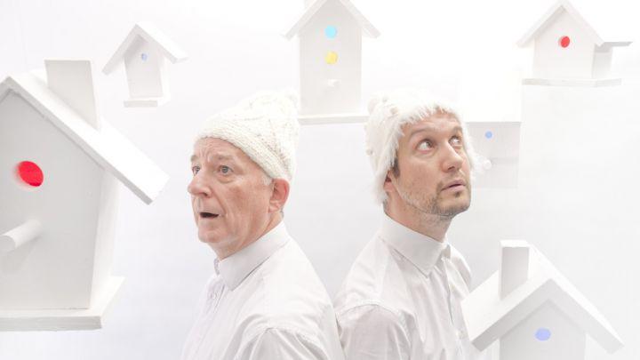 White door Catherine Wheels Theatre Company — De Krakeling, theater voor de jeugd te Amsterdam