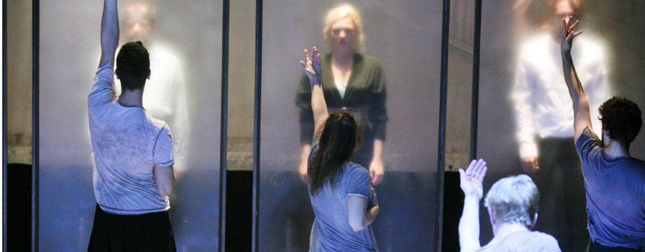Young Macbeth door Drie Amsterdamse middelbarescholen — De Krakeling, theater voor de jeugd te Amsterdam
