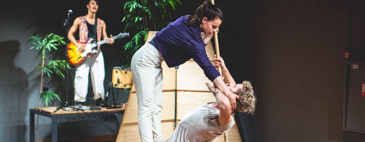 POKON 4+ door De Dansers  — De Krakeling, theater voor de jeugd te Amsterdam